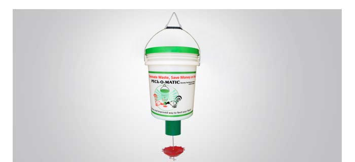 Pail/Bucket & PECk-O-MATIC Demand Bird Feeder Kit