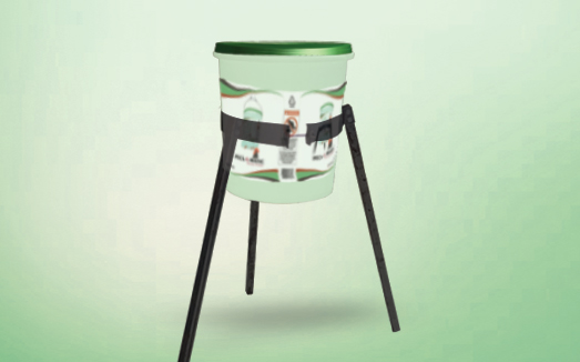 peckomatic drinker with  pail stand